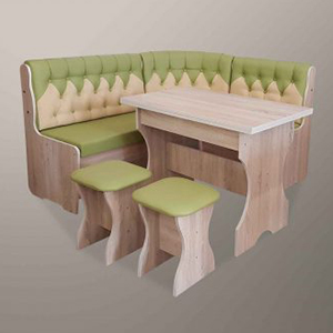 Уголки, столы и стулья